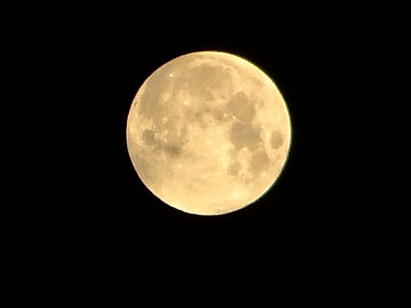 full_moon_view_from_munich_germany